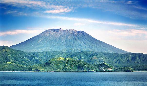 Вулкан Гунунг-Агунг